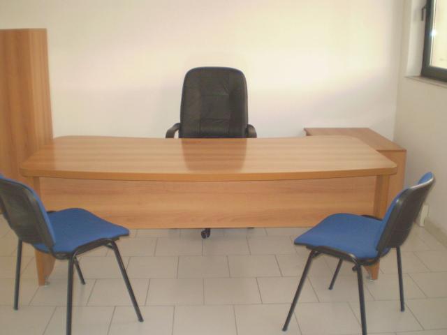 Ufficio arredato bivani 6 postazioni di lavoro gruppi di for Ufficio arredato